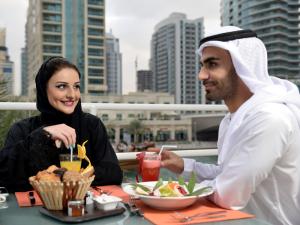 UAEの食が変わる!?<br>そろそろ健康のことも考えないと・・・の画像