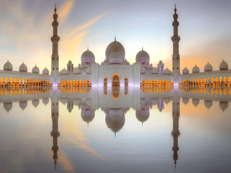 UAEの首都・アブダビの観光スポット!グランドモスクのバージョンアップ情報!