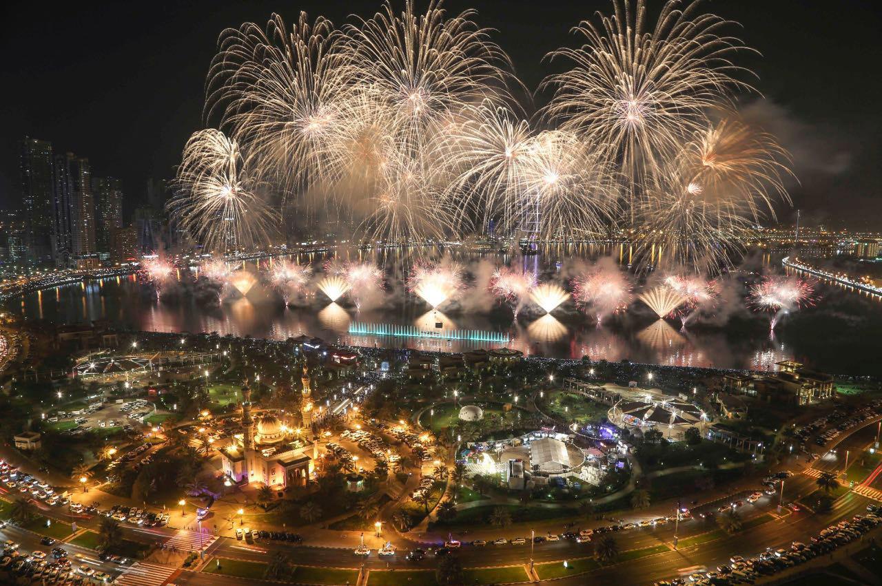 【UAEが世界最大の花火でまたギネス記録を更新!】豪華絢爛カウントダウンをお届け!